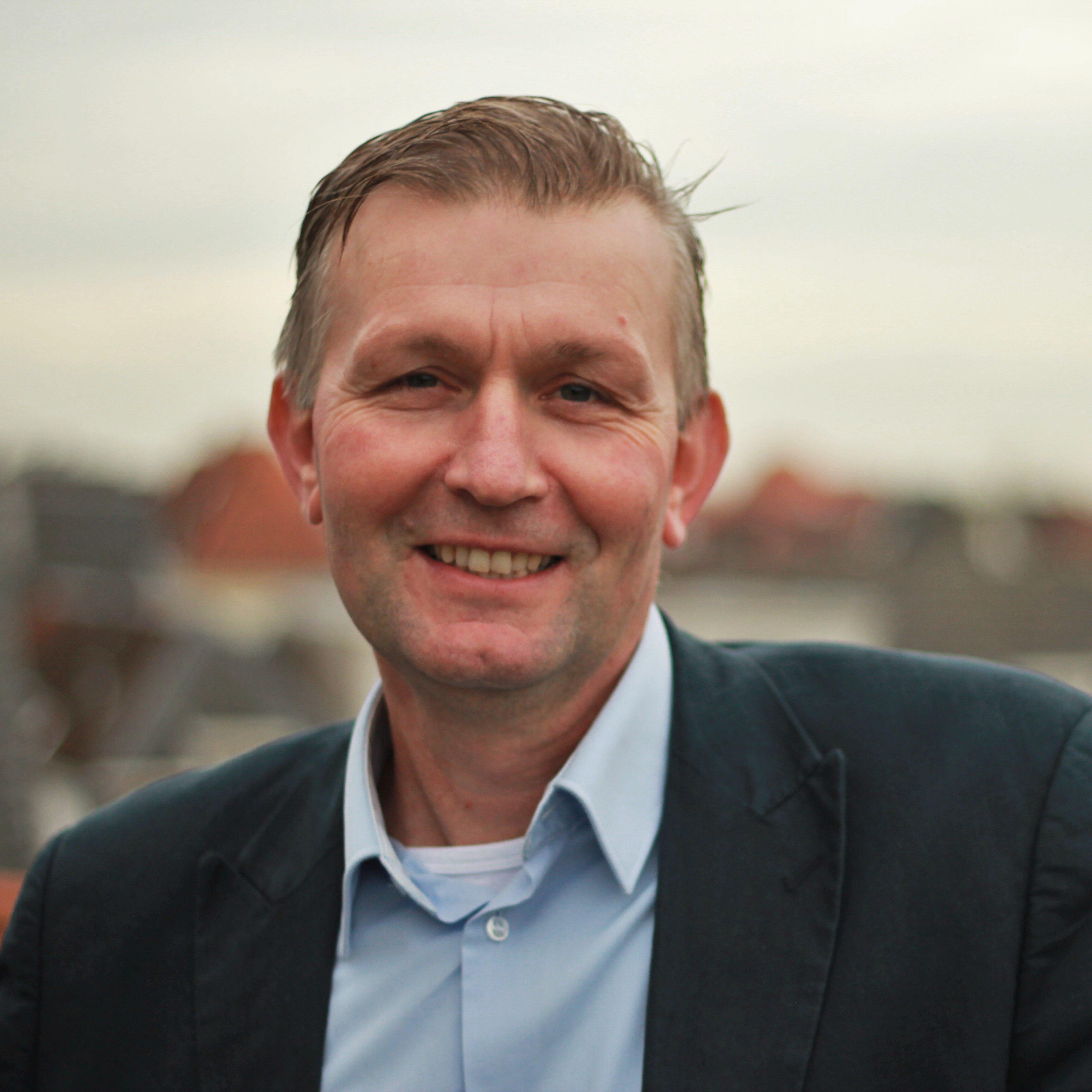 Leon van den Broeke